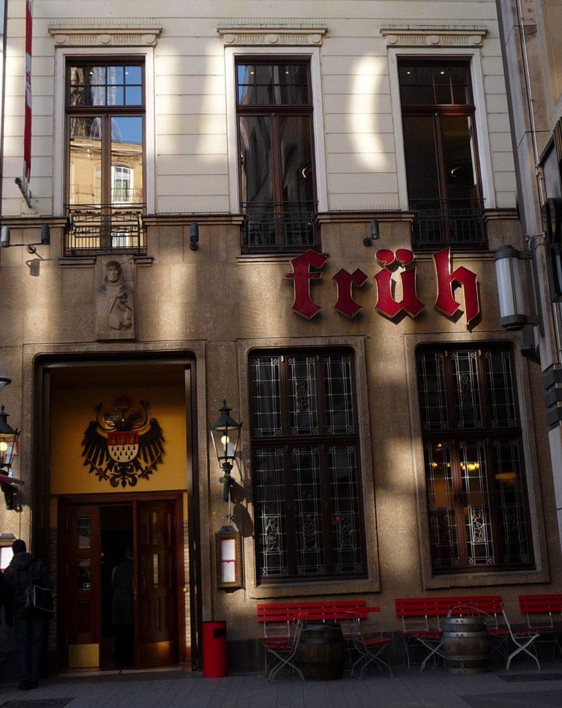 Köln Kölsche Kneipe Früh photo by Marek Seyda